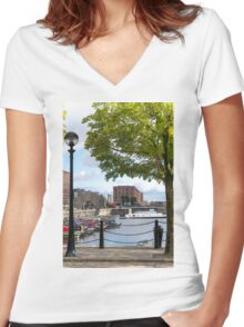 Salthouse Dock Liverpool Women's Fitted V-Neck T-Shirt
