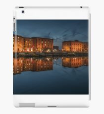 Salthouse Dock Liverpool at night iPad Case/Skin