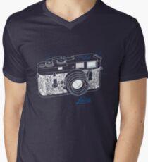 Leica T-Shirt mit V-Ausschnitt