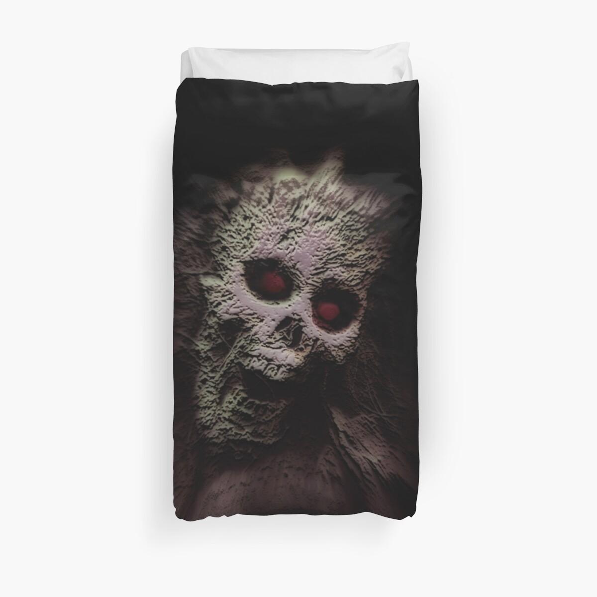 Skull by GothCardz
