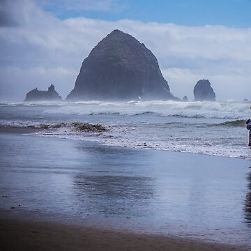 Girl at Cannon Beach by babatim