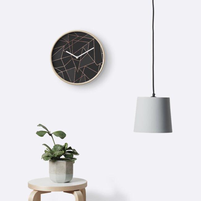 Schicker Rose Gold Geometrischer Entwurf auf schwarzer Holzkohle von Blkstrawberry