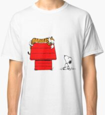 Geek Calvin And Hobbes Tiger Sleep On Doghouse Classic T-Shirt