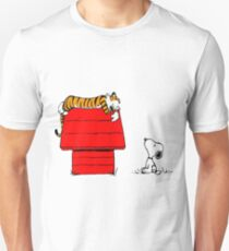 Geek Calvin And Hobbes Tiger Sleep On Doghouse T-Shirt