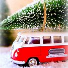 Merry Christmas for Camper Van Fans by ©The Creative  Minds