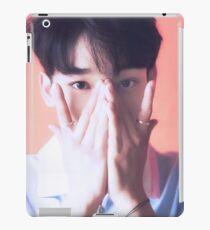 Vinilo o funda para iPad Peekaboo Chen