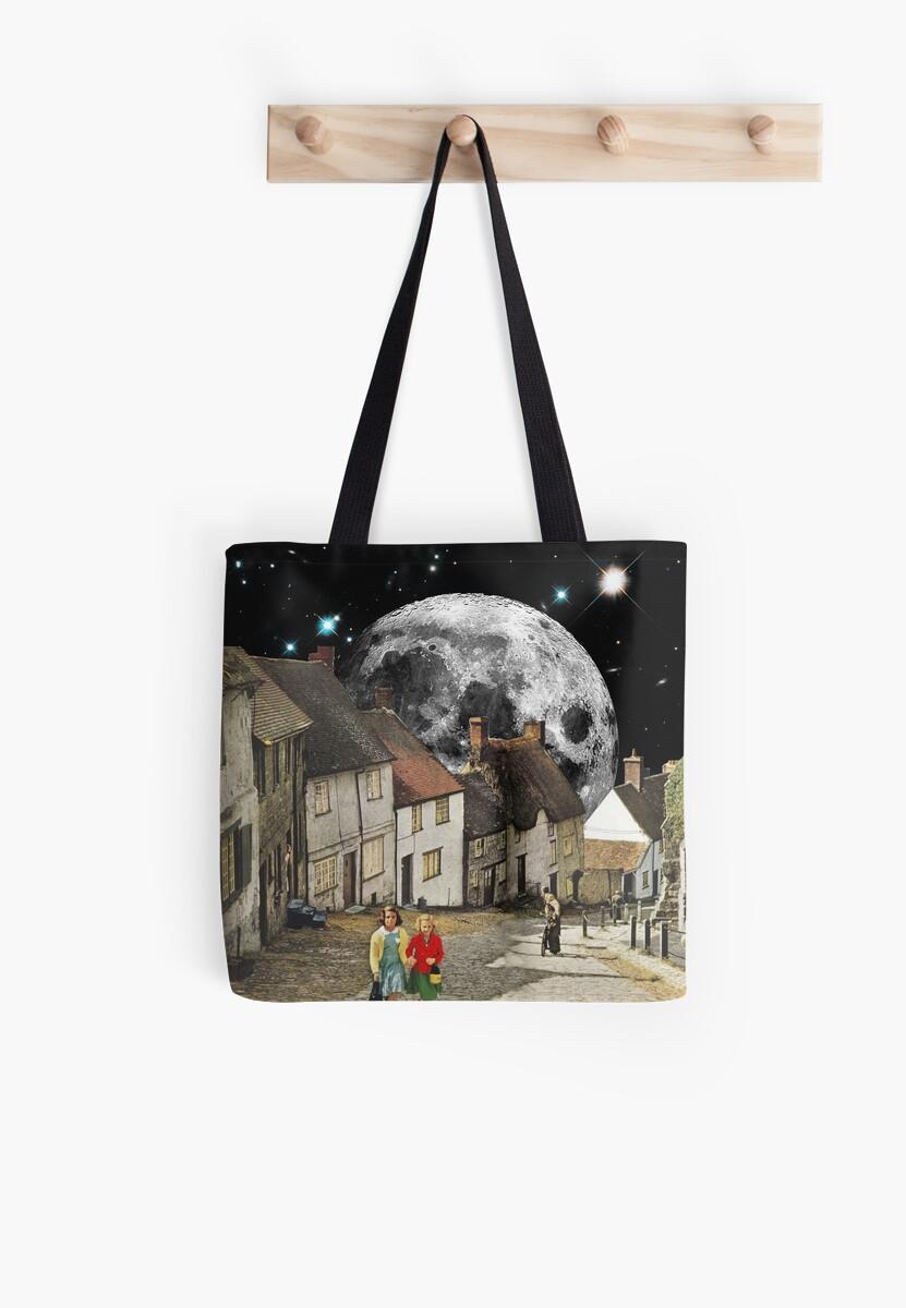 Agglican Lunar by eugenialoli