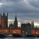Westminster at night  by Sparowsong