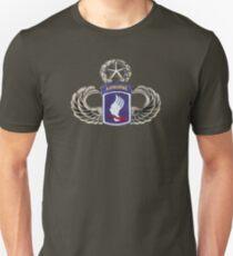 173rd Airborne brigade on master jumpwings Unisex T-Shirt