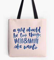 Feministische Coco Chanel Zitat Tasche