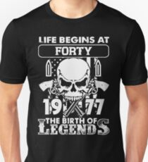 Gift 1977 The birth of Legends Shirt T-Shirt