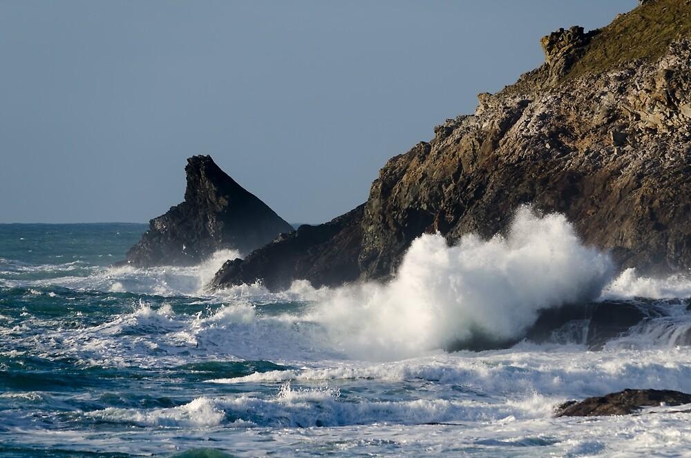 Atlantic splash by Steven Stamford