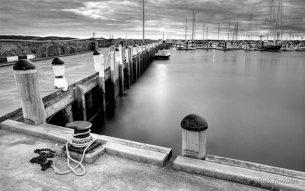 APOLLO BAY PIER by Rick Knowles