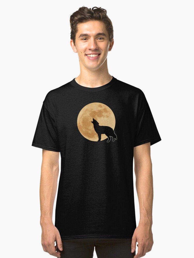 Wolf Howls at Moon Classic T-Shirt Front
