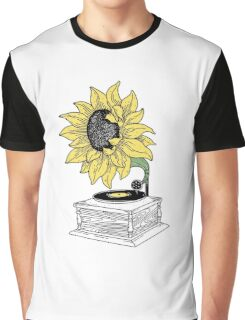 Singing in the sun Graphic T-Shirt