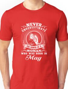 The power of a woman who was born in may T-shirt Unisex T-Shirt