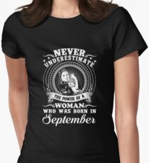 The power of a woman who was born in september T-shirt T-Shirt