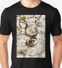 Old fashioned globe T-Shirt