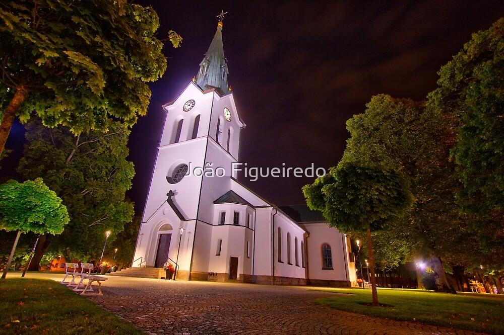 Värnamo church at night by João Figueiredo