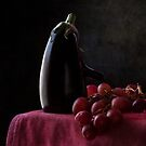 Aubergine and Grapes by Antonio Arcos aka fotonstudio