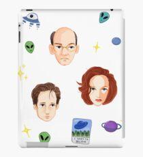 X Files - FBI Agents iPad Case/Skin