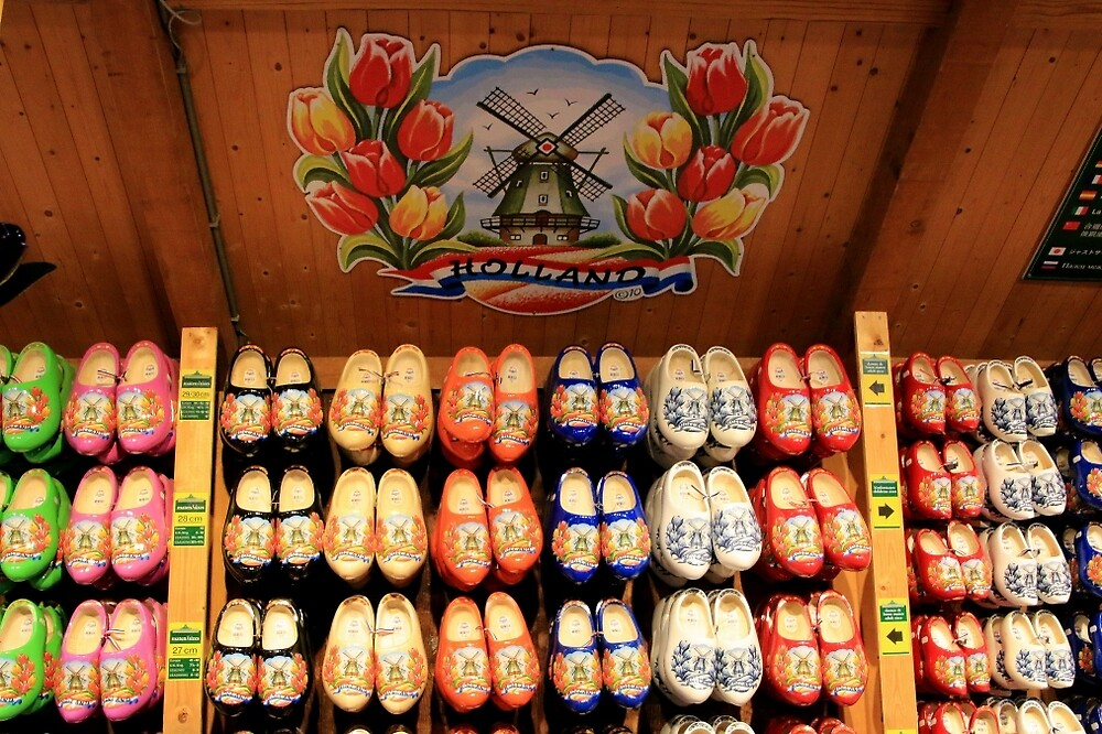 Wooden painted clogs, Holland 2 by FranWest