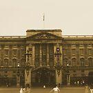 Buckingham Palace  by DeeCl