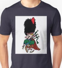 Scottish Bagpipe Player in Kilt  T-Shirt