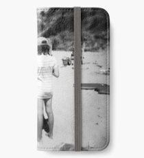 Beach babes iPhone Wallet/Case/Skin