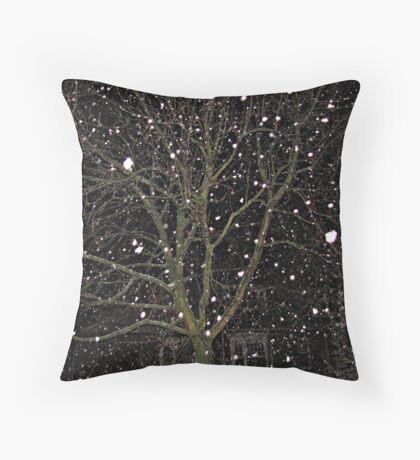 Falling Snow - Night Scene Kissen