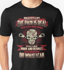 RIGGER'S LIFE the pain is real Unisex T-Shirt