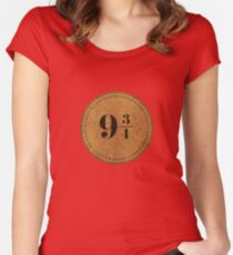 Nine and three quarters Women's Fitted Scoop T-Shirt