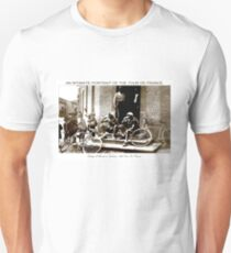 TOUR DE FRANCE; Vintage Taking A Break Print Unisex T-Shirt