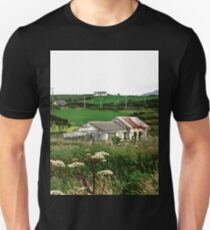 Abandoned cottage in Donegal, Ireland T-Shirt