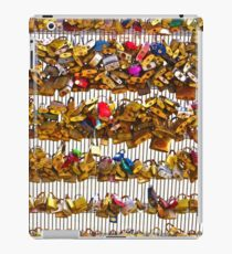 Love Locks over the Seine iPad Case/Skin