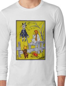 """""""Dorothy gazed thoughtfully at the Scarecrow."""" Long Sleeve T-Shirt"""