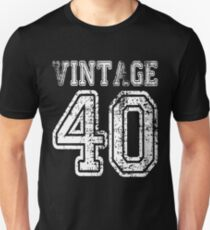 Vintage 40 2040 1940 T-shirt Birthday Gift Age Year Old Boy Girl Cute Funny Man Woman Jersey Style T-Shirt