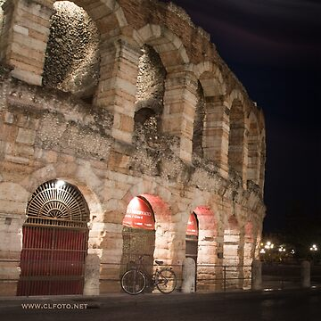 L'Arena at night, Verona, Italy by leemcintyre