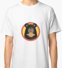 Grizzly with cake in circle Classic T-Shirt