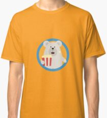 Polar Bear eating Popcorn with circle Classic T-Shirt