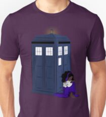 The Gypsy Who Waited  T-Shirt
