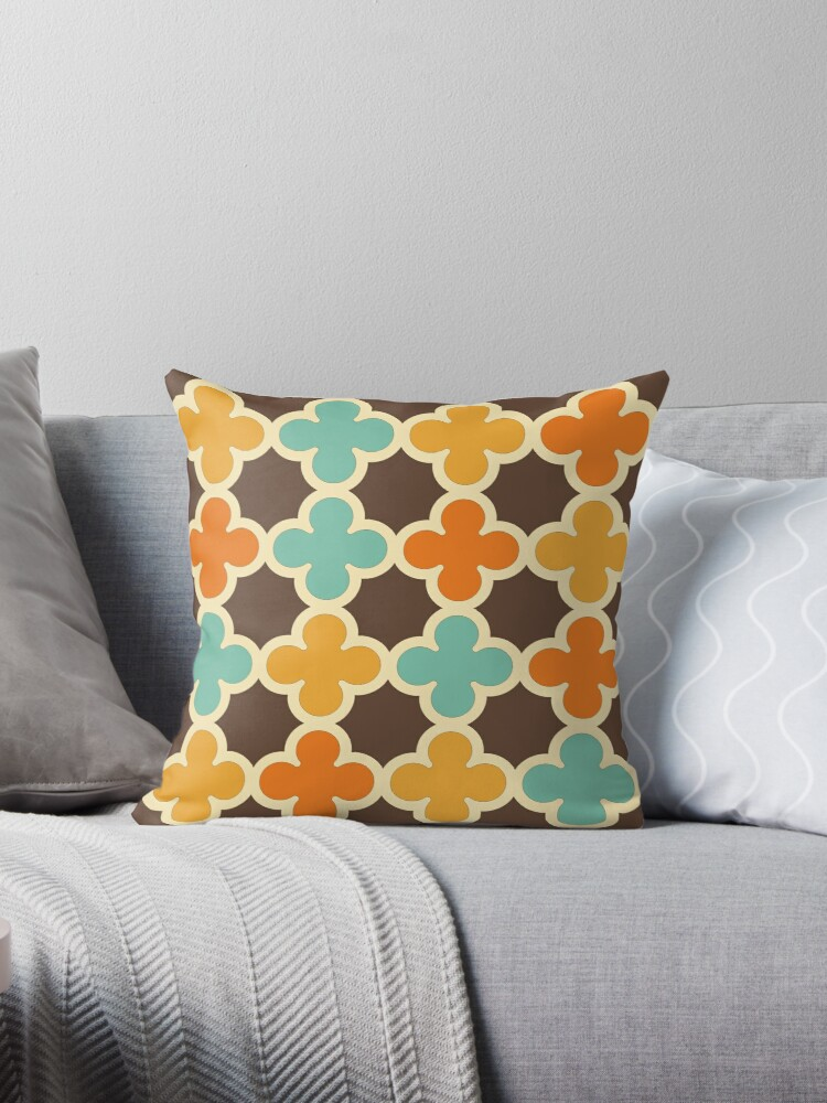 Retro Colors Quatrefoil Pattern by frittata