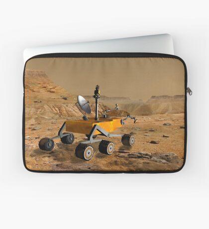 Mars Science Laboratory reist in der Nähe einer Schlucht auf dem Mars. Laptoptasche