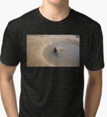 TIDAL ROCK POOL AT SANDYMOUTH BEACH CORNWALL Tri-blend T-Shirt