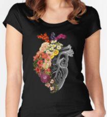 Blumen-Herz-Frühling Tailliertes Rundhals-Shirt