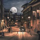 Harvest moon, London - United Kingdom by Steven  Sandner