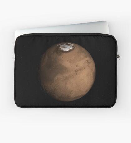 Planet Mars leicht geneigt, um den Mars-Nordpol zu zeigen. Laptoptasche