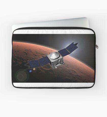 Künstlerkonzept der Mars Atmosphere und Volatile Evolution Mission der NASA. Laptoptasche