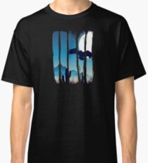 Beautiful Bird in Flight Scene Illustration Brushstrokes I Classic T-Shirt