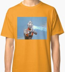Ultraman ! Here he comes from the sky.... Classic T-Shirt